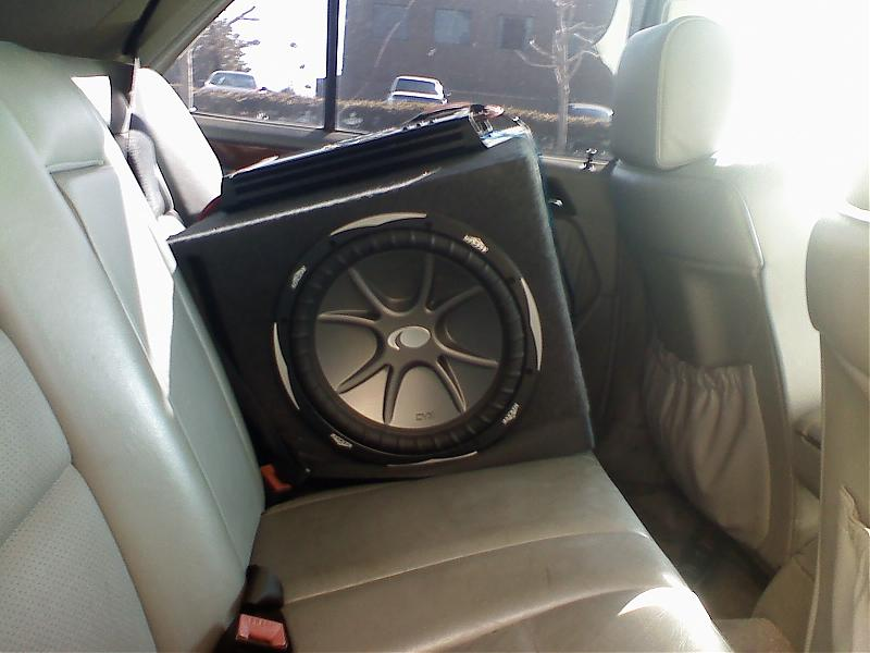 subwoofer locations in W124?-0206081356a.jpg