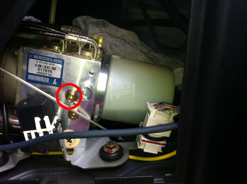 Check Fuel Fill Inlet >> DIY: replace/flush roof hydraulic fluid - Mercedes-Benz Forum