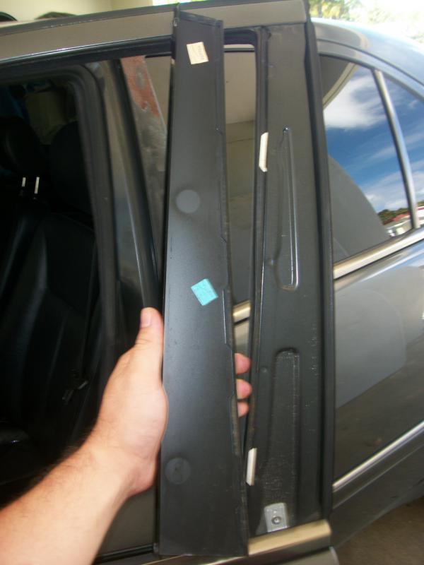 W210 Exterior B Pillar Cover Renewal Procedure Mercedes