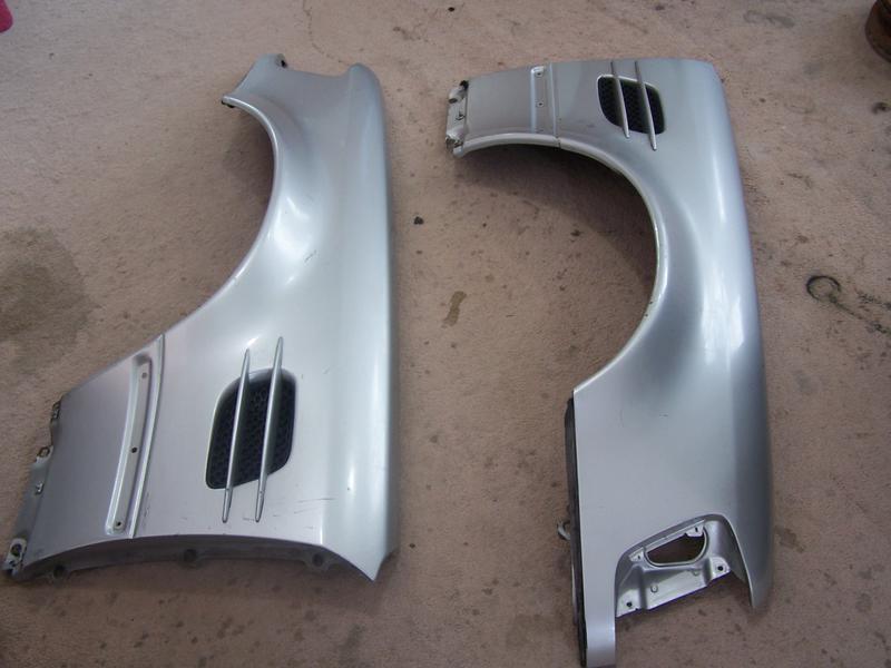 F/s W124 500E/E500 front Fenders-100_1818.jpg