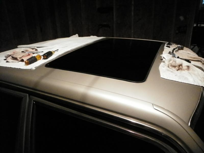 DIY W140 moonroof into W126-100_2326.jpg