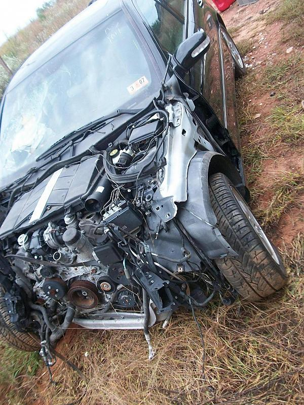 PART OUT: 2003 MERCEDEC W203 C240 PARTING OUT SALVAGE CAR.-101_0551.jpg