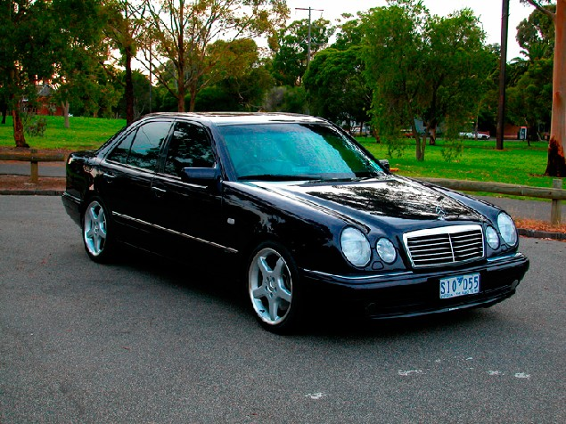 official w210 e55 amg pictures sticky page 6 mercedes. Black Bedroom Furniture Sets. Home Design Ideas