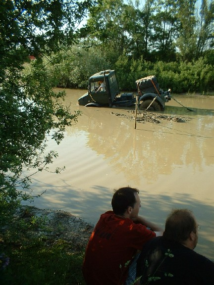 "Post your favorite ""mog in mud"" shots-2005-2005-2028-20unimog-20christian-201.jpg"