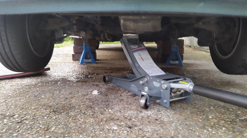 Exhaust Manifold Removal 1991 300SE (M103)-20190518_201034.jpg