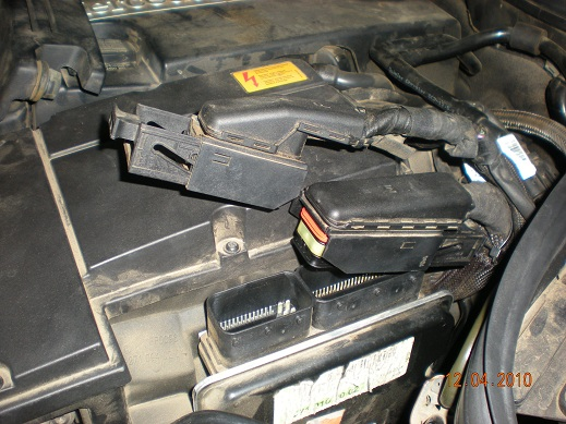 oil in harness cam sensor leak mercedes benz forum rh benzworld org Hot Rod Wire Looms for Doors Spark Plug Wire Looms