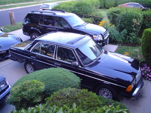 Mercedes Benz 300d Turbo Diesel. F/S 1985 300D Turbo diesel!