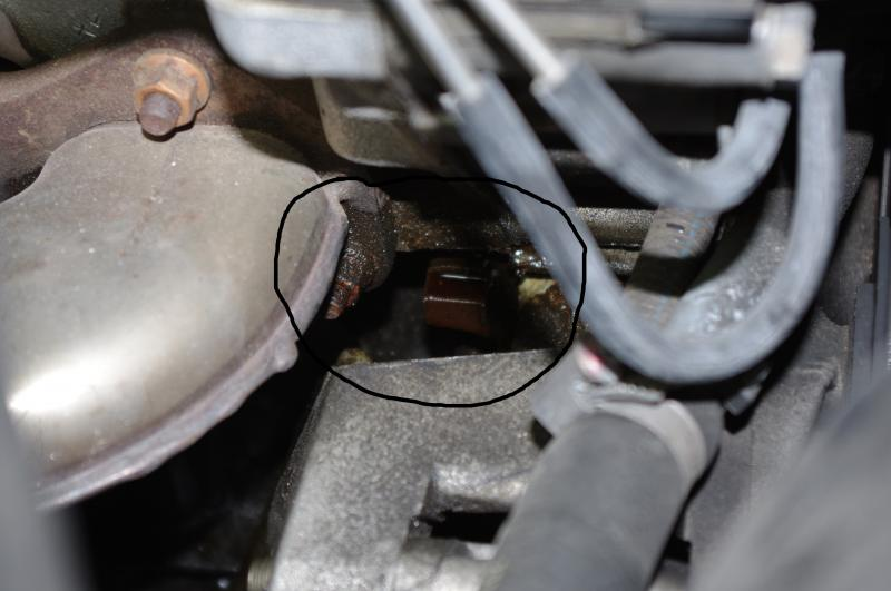 Pic moreover D Valve Cover Gasket Breather Cover Sealant Cap Screws Cover likewise D Replacing C M Coolant Temp Sensor Cy additionally Img as well Photo. on mercedes benz starter replacement