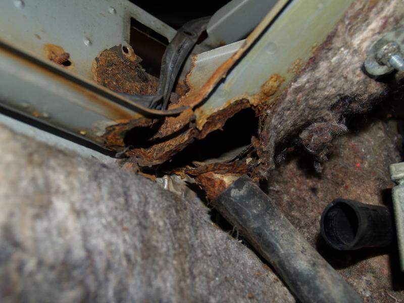 415282d1323866704 1985 380sl blower compartment underside right 1985 380sl mercedes benz forum  at bayanpartner.co