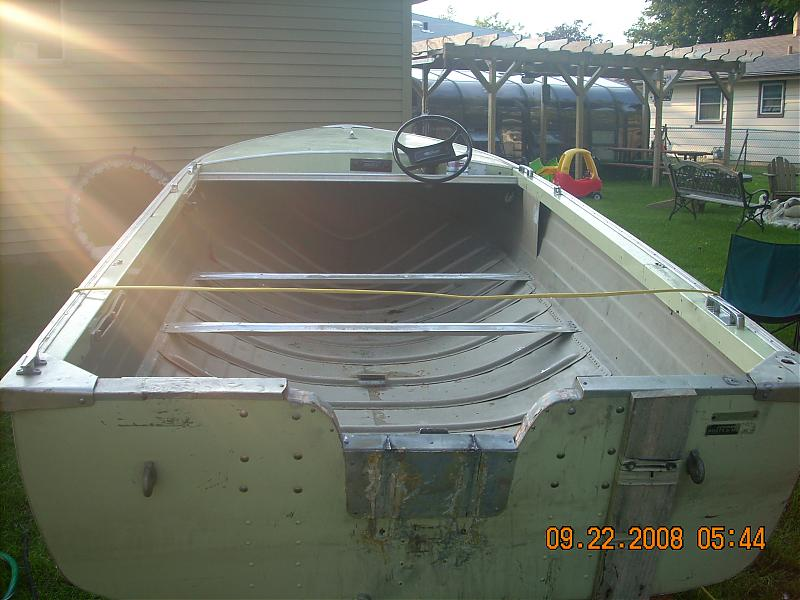 Yet another hole in the water-boat-1.jpg