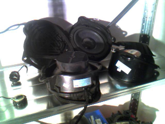FS: SLK parts see pictures- HU,changer,speakers,brakes etc. Make me an offer!-bose.jpg