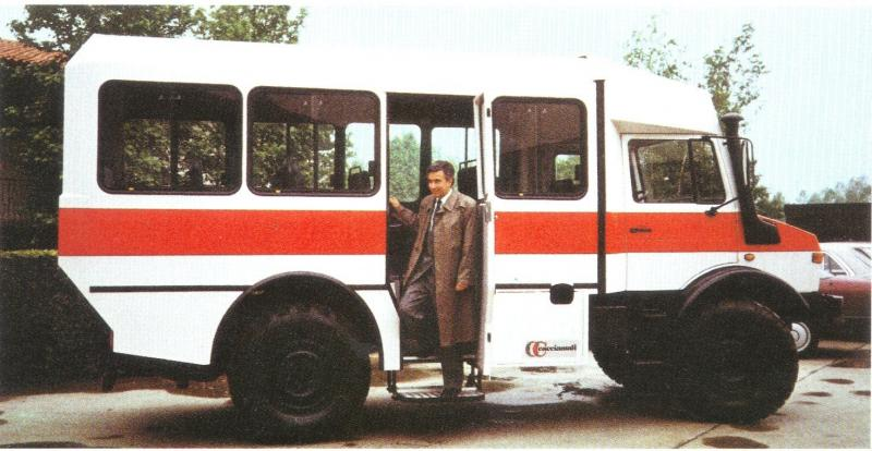 "1991 U1550 CREW CAB ""school bus"" Mog discussion-bus.jpg"