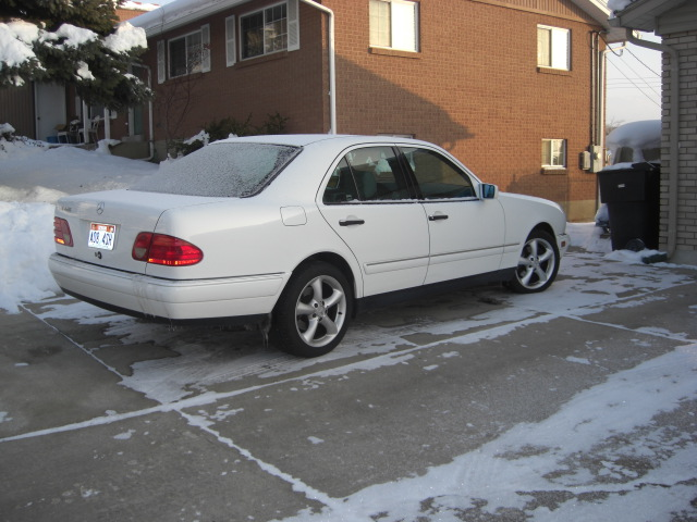 FS: 1997 E420 white ext/gray int-cimg1781.jpg