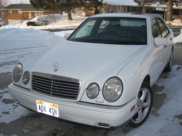 FS: 1997 E420 white ext/gray int-cimg1783.jpg