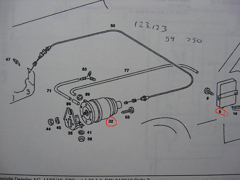 W107 Sl 450 1976 Cruise Control Vacuum Hose Connection