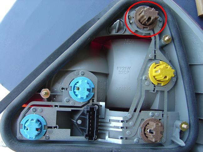 easiest diy brake light fix? - Mercedes-Benz Forum