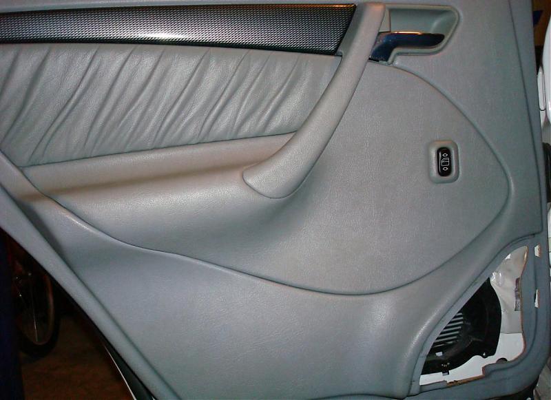 C230 rear door panel removal - Mercedes-Benz Forum