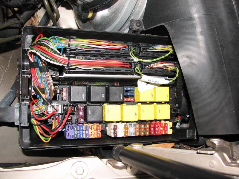 350209d1294184364 help identify connector driver side fuse box mercedes s430 fuse box s430 engine \u2022 free wiring diagrams life ml320 fuse box diagram at bayanpartner.co