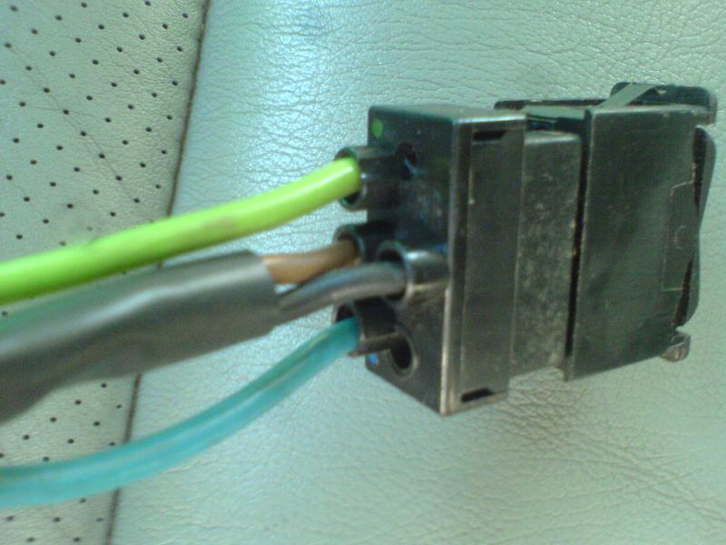 Authomatic antenna switch wiring - Mercedes-Benz Forum
