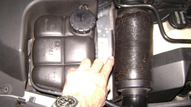 Engine number location mercedes sprinter for Mercedes benz vin numbers