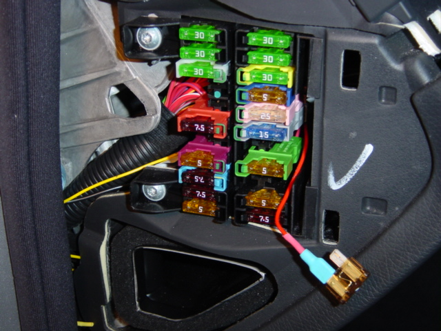 adding fuse to dashboard fuse block mercedes benz forum click image for larger version 02500 jpg views 8653 size 154 3