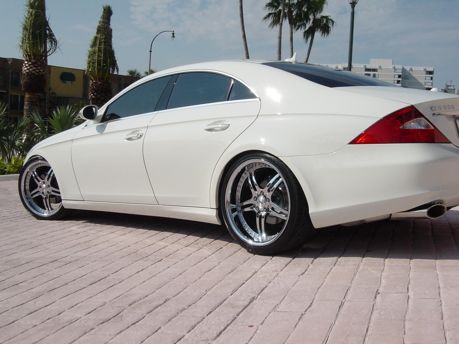 2007 Mercedes-Benz CLS-Class Sedan 4D CLS63 AMG Specs and ...