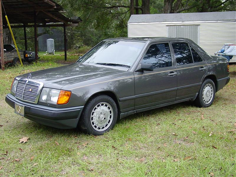 RIP W123 300D, hello new W124 6cyl 300D! The review - Mercedes-Benz