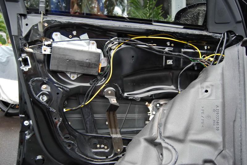 Click image for larger version Name DSC_0001_resize_resize.JPG Views 8449 Size 212.1 & Driver door soft close - Mercedes-Benz Forum