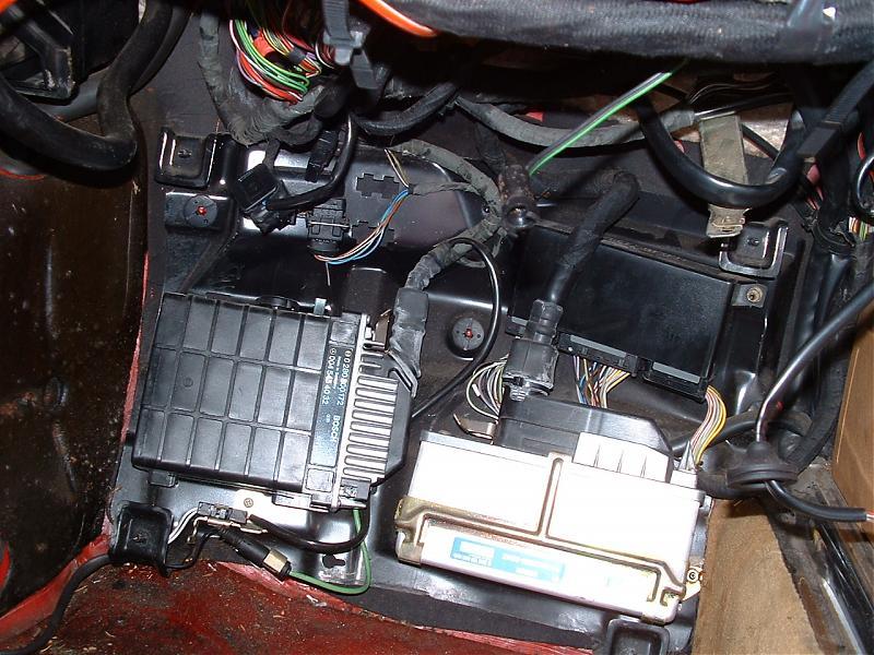 179175d1211406154 380 sl flasher blinker relay location dscf0020 380 sl flasher, blinker, relay location mercedes benz forum  at bayanpartner.co
