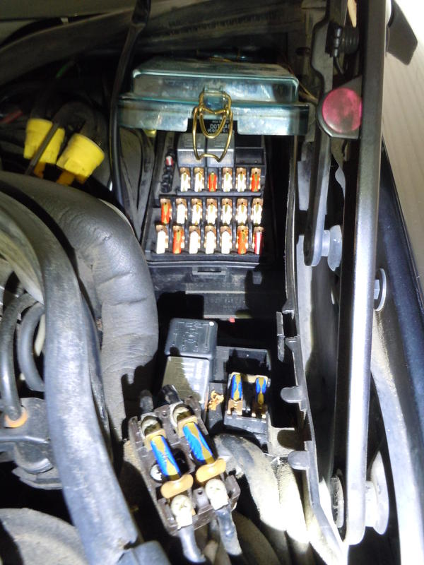 Explanation of fuses/relays in '93 190E | Mercedes-Benz ForumBenzWorld