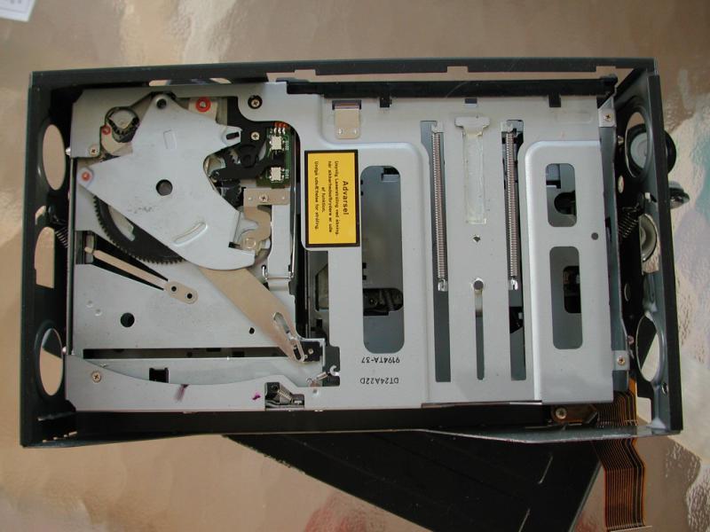 WANTED ALPINE MC3198 6 CD DECK SHOCK ABSORBERS V220 S500 FEB 2000 PROD DATE-dscn6924.jpg