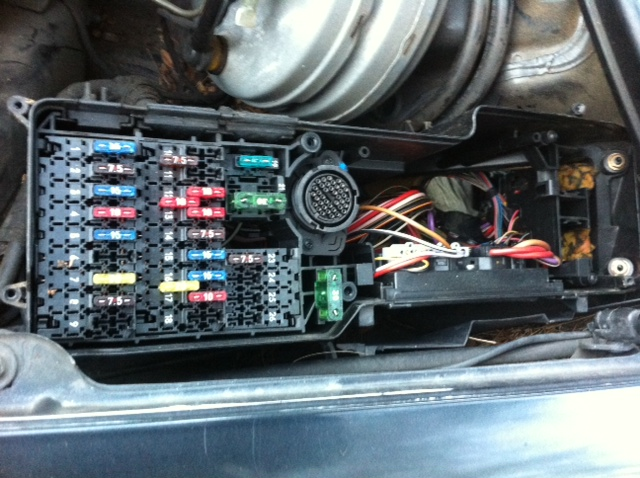 417996d1325312039 seat heater repair fuse box front seat heater repair mercedes benz forum 1978 Mercedes 450SEL at bayanpartner.co