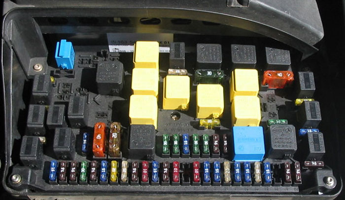 117315d1171813675 interior lights diver side fuse location fusebox ml interior lights diver side fuse location? mercedes benz forum w163 fuse box diagram at eliteediting.co