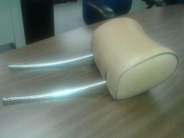 WANTED: W123 Palomino Headrest-headrest.jpg