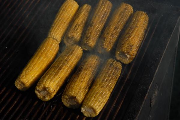 Set QBN's 4th of July Menu-how-grill-ribs-32.jpg