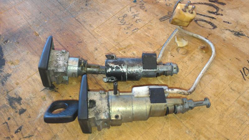 419880d1326212902 door lock cylinder guides aka door imag0347 door lock cylinder guides aka door lock failure mercedes benz forum