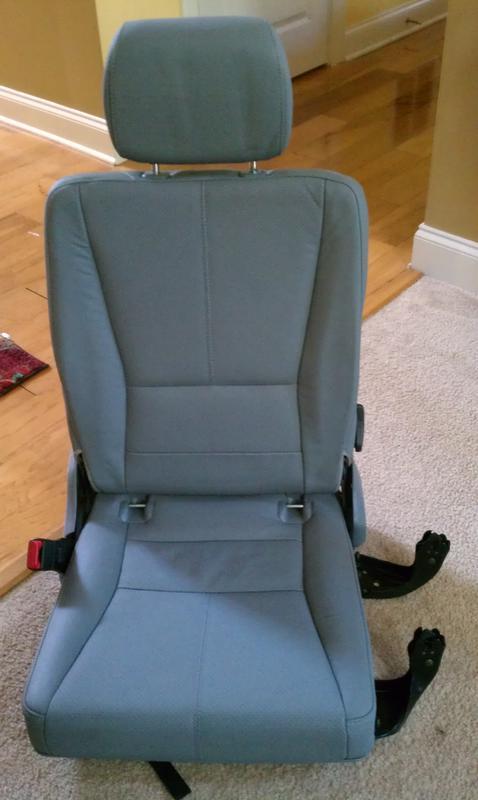 FS... 3rd row seats for ML320-imag0543.jpg