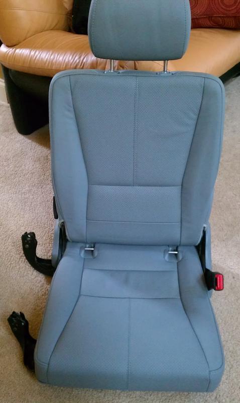 FS... 3rd row seats for ML320-imag0544.jpg