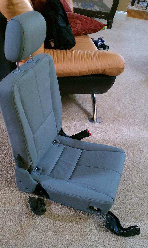 FS... 3rd row seats for ML320-imag0546.jpg