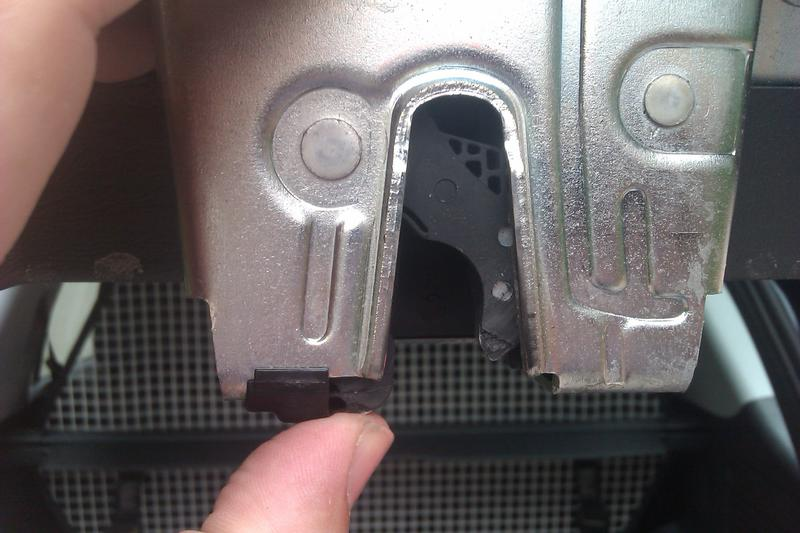 Mercedes Trunk Latch Problems