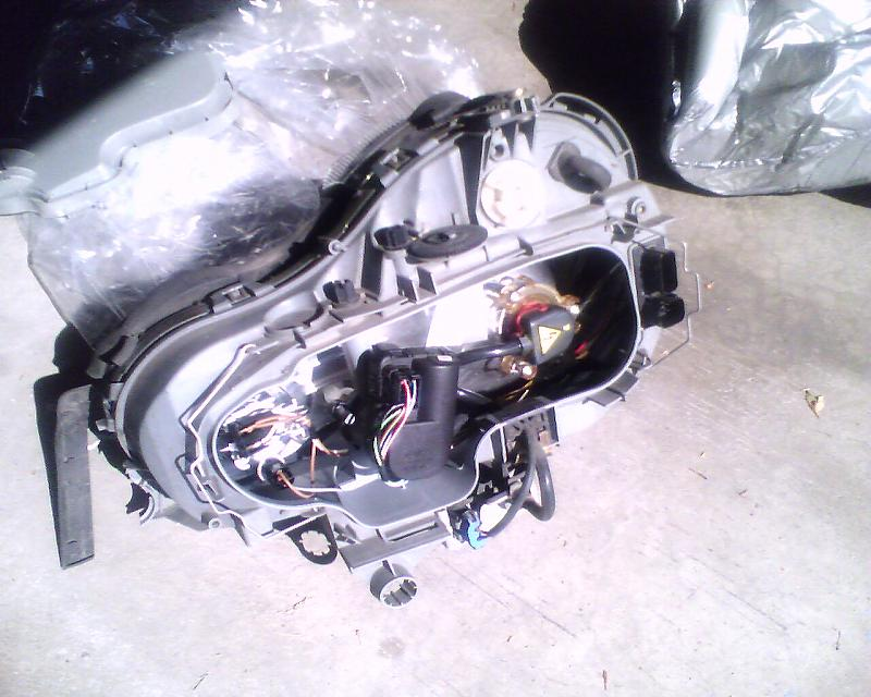 FS: HID Headlight - w210, Broken Lens - Mercedes-Benz Forum