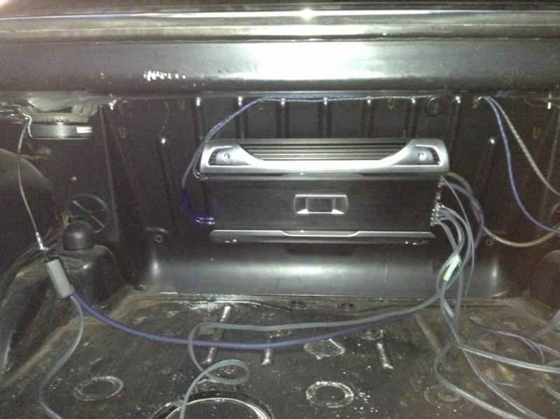 W114/15 dash speaker upgrade-imageuploadedbyag-free1366078067.367507.jpg
