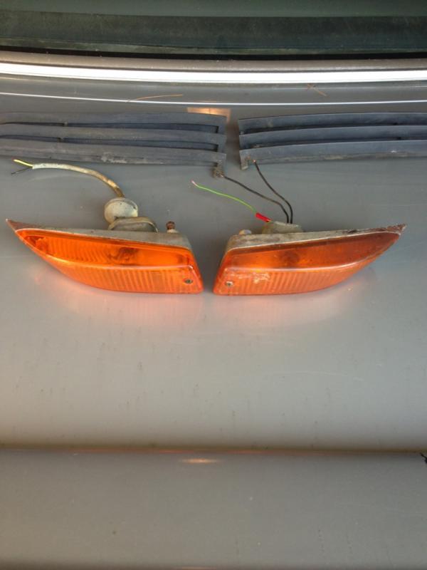 Mercedes 107 sl banana turning signal-imageuploadedbyag-free1371780809.988037.jpg