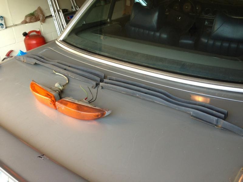Mercedes 107 sl banana turning signal-imageuploadedbyag-free1371780823.086510.jpg