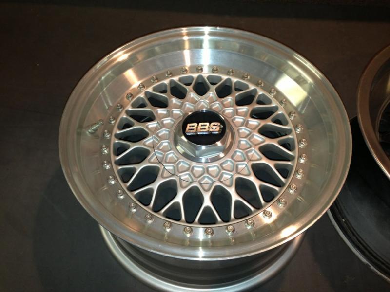 Vintage wheels & hubcaps: BBS, Pentas, Lorinser LO, even a bundt-imageuploadedbyautoguide1358890808.881138.jpg