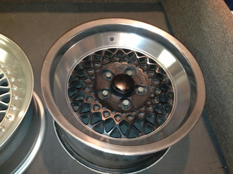 Vintage wheels & hubcaps: BBS, Pentas, Lorinser LO, even a bundt-imageuploadedbyautoguide1358890843.859180.jpg
