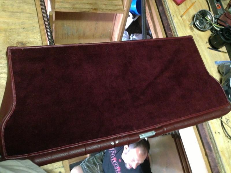 FS: Burgundy r107 folding back seat-imageuploadedbyautoguide1369399848.754505.jpg