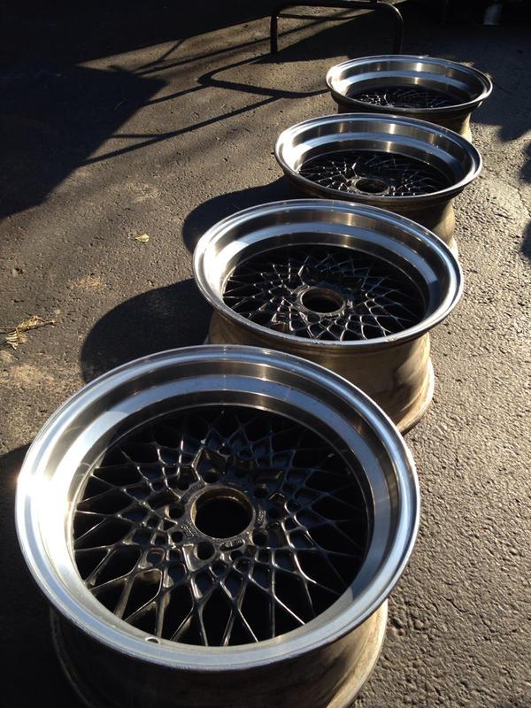 Vintage wheels & hubcaps: BBS, Pentas, Lorinser LO, even a bundt-imageuploadedbyautoguide1408715355.648992.jpg