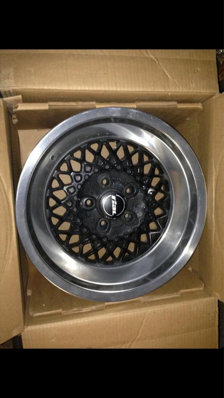 Vintage wheels & hubcaps: BBS, Pentas, Lorinser LO, even a bundt-imageuploadedbyautoguide1408716686.986026.jpg