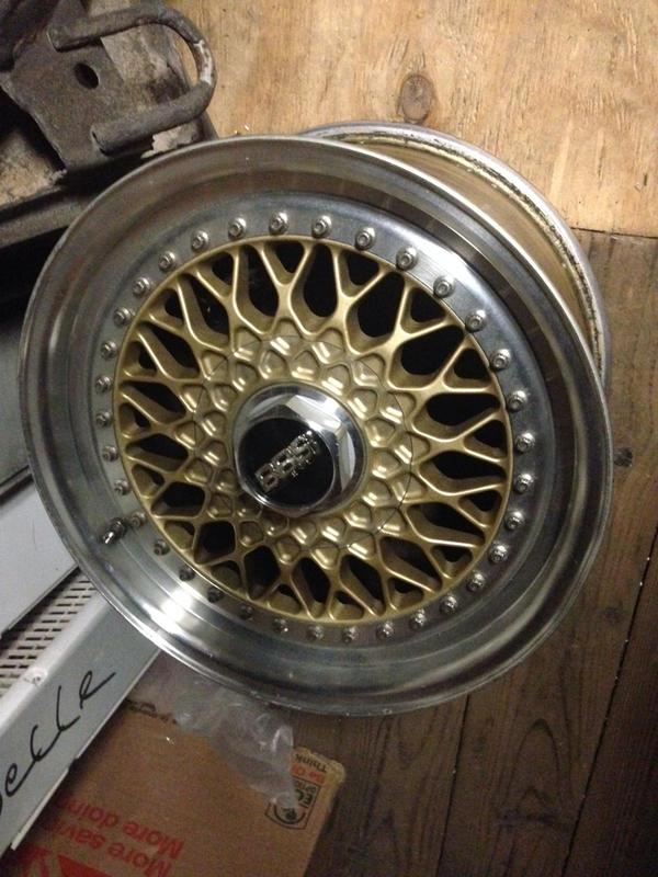 Vintage wheels & hubcaps: BBS, Pentas, Lorinser LO, even a bundt-imageuploadedbyautoguide1408719818.274332.jpg